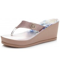 Guess Shadia2 Nude Gold Womens Wedge Flip Flops